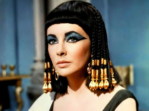 Elizabeth Taylor as Cleopatra (image: portable.tv)